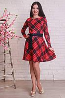 Красивое платье из трикотажа модной расцветки в клетку