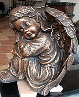 Ритуальная скульптура Спящий ангелочек 34 см бетон