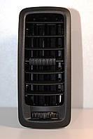 Решетка воздуховода панели приборов (чёрная) на Renault Trafic  2001->  —  Renault (Оригинал)  -  7701054458