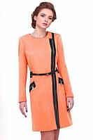 Женское пальто с кожаными вставками