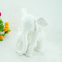 Статуэтка из фарфора Слониха со слоненком