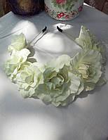 Веночек с белыми крупными розами из фоамирана