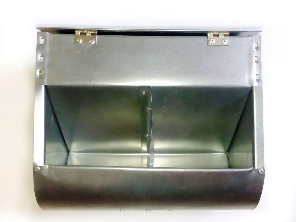 Бункерная кормушка для кроликов и др. грызунов на 3,5 литра +с перегородкой +с крышкой