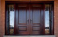 Двустворчатые двери из массива дерева