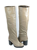 Бежевые женские зимние сапоги на каблуке, фото 1