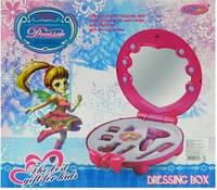 Детская игрушечная косметика в футляре с зеркалом