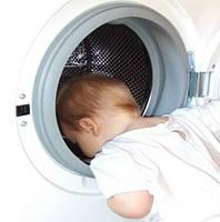 Как правильно стирать детские вещи?