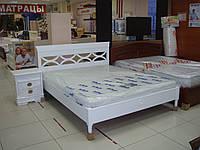 Кровать двуспальная из массива ясеня с резным изголовьем Белая