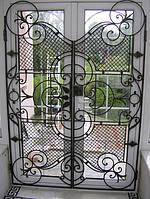 Производство решеток металлических кованных на двери в Хесоне