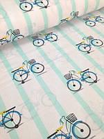 """Детский постельный комплект в кроватку """"Велосипеды на мятной полоске""""."""