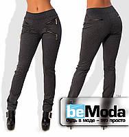 Модные женские леггинсы из шерсть-костюмки с оригинальным принтом с декоративными молниями на карманчиках черные