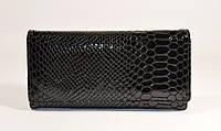 Кожаный кошелек женский 164 черный лаковый, рептилия