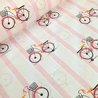 """Детский постельный комплект в кроватку """"Велосипеды на розовой полоске""""."""