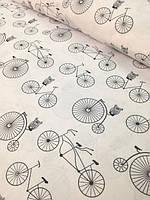 """Детский постельный комплект в кроватку """"Велосипеды на белом""""."""