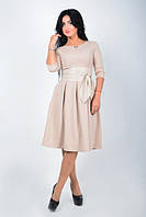 Модное молодежное платье с поясом-корсетом  бежевого цвета
