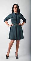 Модное молодежное платье на застежке зеленого цвета