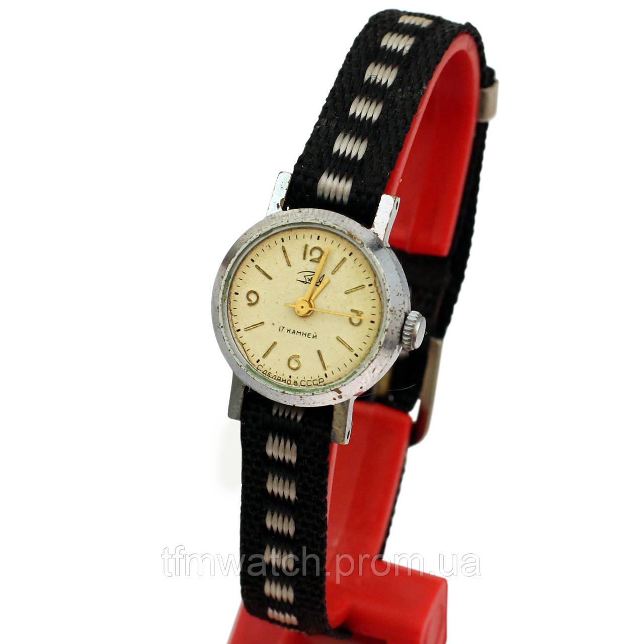 Заря механические женские советские часы