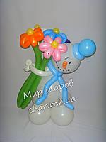 Снеговик с букетом ромашек из воздушных шаров