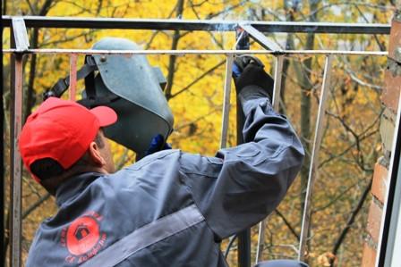 Вынос балкона – разрешение и закон