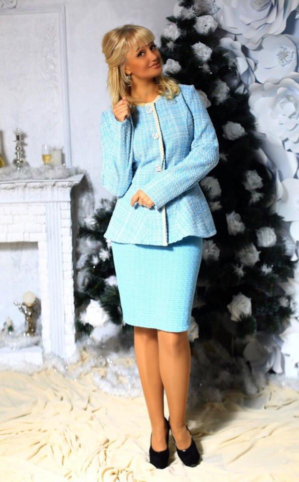 513023365bf Классический женский костюм из ткани букле - Интернет-магазин