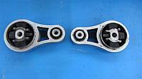 Подушка двигателя права 8200411257 Opel Vivaro Опель Виваро Віваро 2.5 Dci Cdti (2001-2007гг)