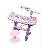 Синтезатор-пианино 88050 со стульчиком и микрофоном