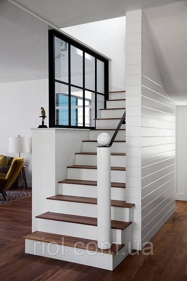 лестница из дерева одномаршевая