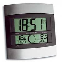 Часы настенные цифровые TFA, внешний датчик, 240x220x31мм 981006.IT