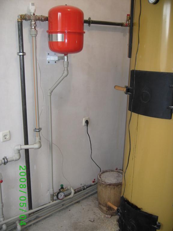 Котел длительного горения Stropuva S40U. Отопление коммерческого объекта  350 кв.м.