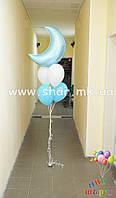 Фонтан из воздушных шаров с фольгированным полумесяцем