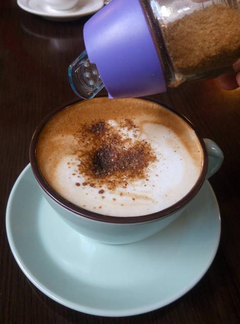 Філіжаночка кави з коричним цукром зі справжньої рідкісної цейлонської кориці та нерафінованого цукру - запорука гарного настрою на цілий день!