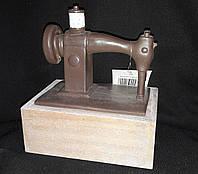 "Шкатулка ""Швейная машинка"", дерево, поликерамика,15х10х5см., выс. маш. 8 см., 280/250 (цена за 1 шт. + 30 гр.)"