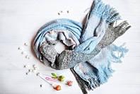 Женский шарфик в холодной гамме
