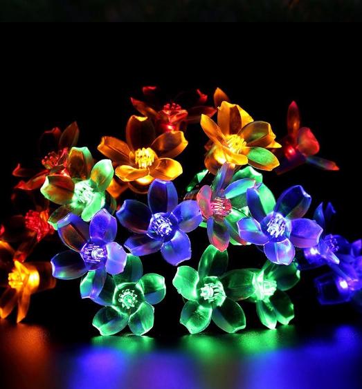 Светодиодная гирлянда на солнечной батарее  Лютики RGB 5м