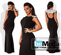 Шикарное женское длинное платье из креп-дайвинга с открытой спинкой и накидкой с пайетками на плечах черное