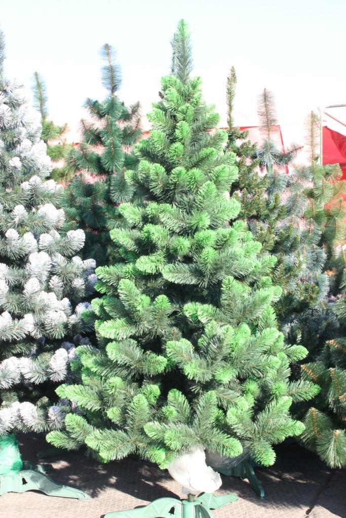 Елка искусственная «Европейская» зелёная 200 (см) иголки леска ПВХ Италия, с напылением на ветвях