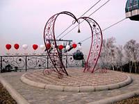Изготовление и продажа кованых скульптур для влюбленных в виде сердца в Херсоне на заказ