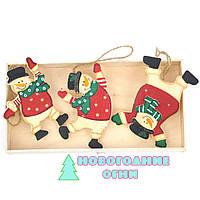Новогодняя подвесная игрушка из дерева Весёлые Снеговики 10х8 см.