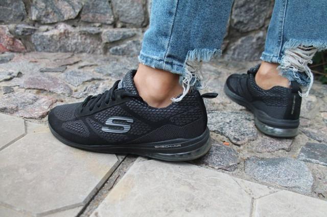 Обувь женская спортивная