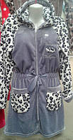 Молодежный женский велюровый халат на замку