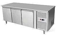 Стол холодильный  3-дверный с боковым расположением агрегата
