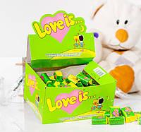 Жевательная резинка Love is... со вкусом яблока и лимона
