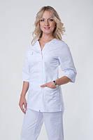 Медицинский костюм на молнии женский  белого цвета