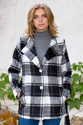 Короткое клетчатое пальто под пояс