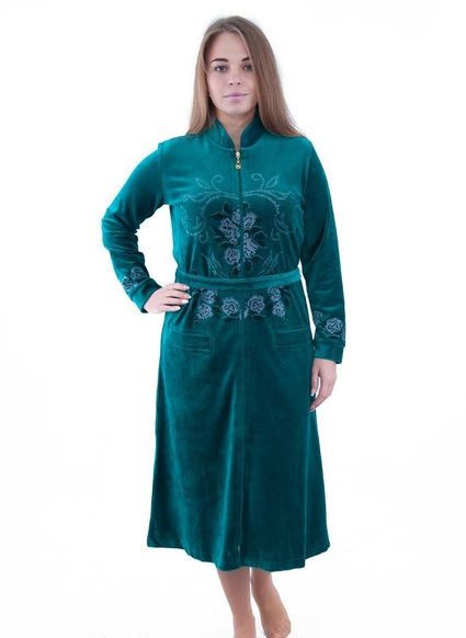 Велюровый женский халат с узором из цветов
