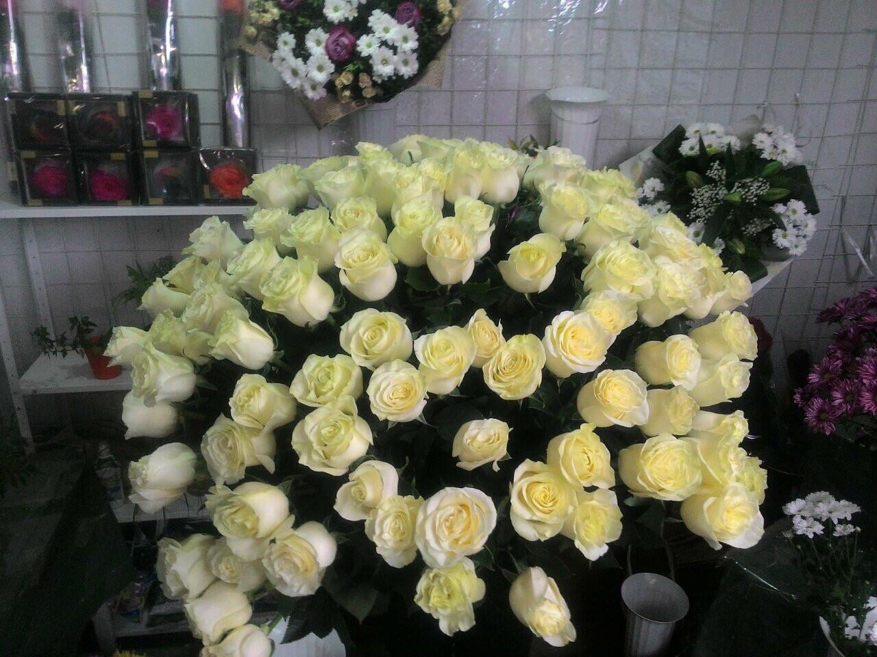 Букет із 101 троянди з доставкою