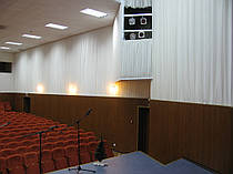 Драпировка стен Негорючими тканями (Trevira CS). Концерт-Холл 1