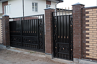 Изготовление и продажа откатных ворот с художественной ковкой в Херсоне с покраской доставкой и монтажом
