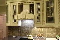 Кухня классика в бежевом цвете
