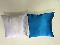 Подушка квадратная атласная бело-голубая.